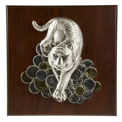 Купить Плакетка большая «Тигр на монетах» с нанесением 2584р.