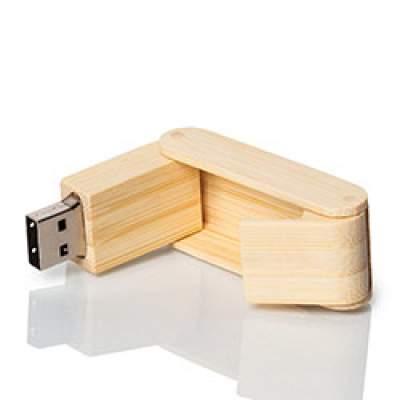 Лазерная гравировка на деревянных флешках
